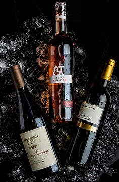 The right temperatures to serve reds and whites via @Tasting Table. #wine #SharingGoodFood