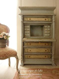 Dollhouse secretary Marie-Antoinette - Romantic roses - Green gray and blue sky - Furniture for dollhouse scale 1/12