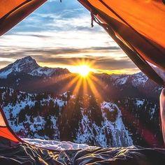 G O O D  M O R N I N G 🌅🌅🌅 Wake up inspired for great things.... #sunrise #morning #motivation #breathe & #focus #coopersdigest