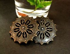 Flower Metal Buttons - Fancy Lot 10 Bronze Pierced Gothic Style Flower Lattice Buttons. 0.59 inch