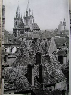 To przeczytałam: Karel Plicka - Praha ve fotografii Prague Czech, Old World, Louvre, Building, Photography, Travel, Photograph, Viajes, Buildings