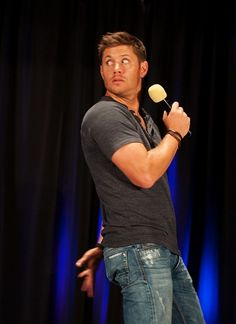 Jensen demonstrating how he'd trail rock salt behind him if he were to find himself in Dean's place.