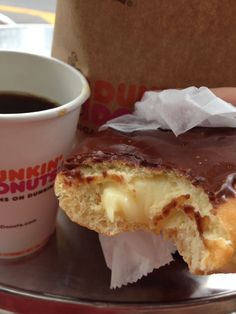 Trashy but classic: Dunkin Donuts in Miami (rolou um sentimento meio Dexter, if you know what I mean)