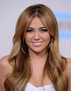 Miley Cyrus Long Curly Hair Cut Style 2011 Celebrity Hairstyles Design 300x385 Pixel