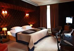 Inns & Hotels