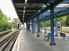 Leigh on Sea railway station. I travelled to Fenchurch Street for many years to work in the city. Underground Lines, London Underground Tube, London Overground, Leigh On Sea, Tilbury, Memories, Street, City, Travel