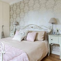 Bedroom | Gloucestershire family home | House tour | PHOTO GALLERY | Style at Home | Housetohome.co.uk