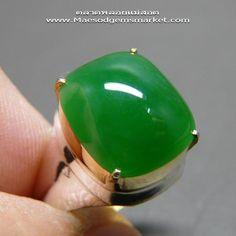 หยกพม่า A Jade ป.โท สี่เหลี่ยมอูมตูม เขียวกลางไม่เข้มไม่อ่อน เนื้อแน่นๆ 5.7 กะรัต หัวแหวนทองงามๆไม่ซ้ำใคร ข้อมูลเพิ่มเติมประธานตูม - ตลาดพลอยแม่สอด จำหน่ายอัญมณีพลอยแท้ธรรมชาติ,เครื่องประดับอัญมณีพลอยแท้ เช่น ทับทิม หยก ไพลิน โป่งข่าม บุษราคัม มรกต พลอยสตาร์ พลอยแกะสลักต่างๆ รับประกันความพอใจ 7 วันเต็ม :[Powered by Weloveshopping.com]