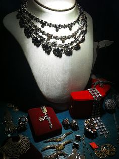 Yiousouri Thessaloniki, Fabric Jewelry, Jewelry Shop, Greece, Diy, Shopping, Fashion, Greece Country, Moda