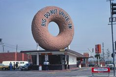 John Margolies Roadside America photograph archive Library of Congress, Prints and Photographs Division. Inglewood California, Southern California, Big Donuts, Taco Restaurant, West Los Angeles, Unique Restaurants, Architecture Photo, Gas Station, Motel
