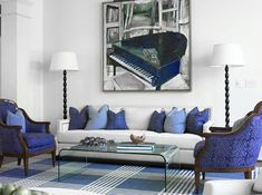 Elegant Blue and white luxury living room decor with white sofa, upscale white and blue home, blue decor with blue sofa Blue Living Room Decor, Living Room Modern, Best Interior Design, Interior Design Inspiration, Design Ideas, Colorful Interiors, Deco Interiors, Sofa Styling, Beautiful Living Rooms