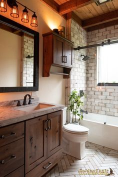 Timber house - Golden Eagle Log and Timber Homes Photo Gallery Rustic Bathrooms, Upstairs Bathrooms, Log Home Bathrooms, Lake House Bathroom, Rustic Bathroom Vanities, Downstairs Bathroom, Master Bathroom, Bathroom Renos, Small Bathroom