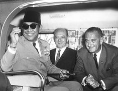 1,478 Sukarno Photos and Premium High Res Pictures - Getty Images Founding Fathers, Presidents, Pilot, Mens Sunglasses, Stock Photos, Pictures, Image, Mood, Green