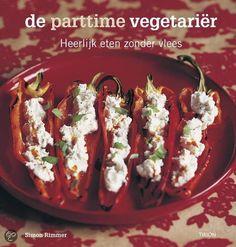 De parttime vegetariër - Heerlijk eten zonder vlees - Simon Rimmer (2005). Toen Simon Rimmer een vegetarisch restaurant kocht, had hij geen idee hoe hij moest koken. Gewapend met twee kookboeken en veel enthousiasme creëerde hij het beste vegetarische restaurant van Manchester. De parttime vegetariër is het hoogtepunt in zijn culinaire avontuur. Als overtuigd vleeseter moest de auteur heel anders over gaan denken; hij heeft inspirerende en goed maakbare vegetarische recepten ontworpen.