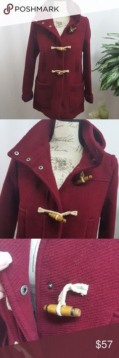 TopShop Wool Blend Toggle Coat Size 4 In excellent used condition, no flaws. Deep red, toggle and snap front closure coat from TopShop with hood. Size 4 Measurements upon request. Topshop Jackets & Coats