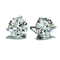 Large diamonds studs for an every day fall look.