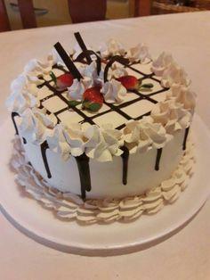 Tortas Decoration Patisserie, Dessert Decoration, Birthday Cake Decorating, Cookie Decorating, Valentine Cake, Cake Business, Drip Cakes, Buttercream Cake, Fancy Cakes