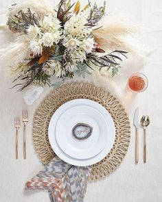 Loved creating florals for the ladies of @100_layercake for their editorial for @crateandbarrel on how to style a simple white plate six different ways. Photo: @scottclarkphoto