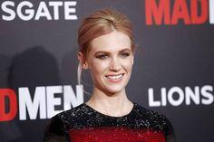 Actress feels 'sexy & vulnerable' sans makeup