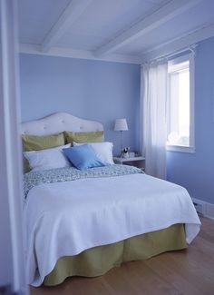 ... Bedroom Design I like the fabric for ... | Blue and White Bed