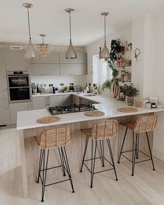 Tidy Kitchen, Kitchen Room Design, Home Decor Kitchen, Kitchen Interior, Home Interior Design, Home Kitchens, Kitchen Chairs, Modern Kitchen Design, Dream Home Design
