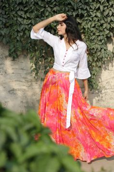 cotton skirt and shirt set Indian Gowns Dresses, Indian Fashion Dresses, Indian Designer Outfits, Skirt Fashion, Women's Fashion, Long Skirt With Shirt, Long Skirt And Top, Indian Skirt And Top, Long Skirt Top Designs