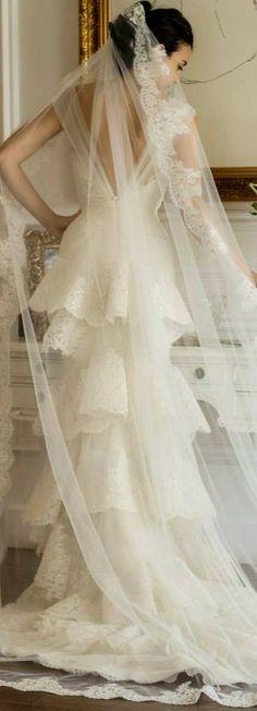 Yasmine Yeya Couture ♥✤ | KeepSmiling | BeStayClassy -- I love this veil...