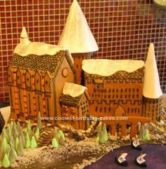 Homemade Harry Potter Gingerbread Hogwarts Cake: This Harry Potter Gingerbread Hogwarts Cake has lots of fiddly bits but fun to make! Gave it away for my school Christmas Fete which had a Hogwarts theme.