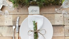'Mother Earth' themed placesetting. Design & handlettering by Laura Blade
