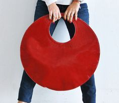 Red leather circle bag red grey by stellachili - etsy Red Tote Bag, Clutch Bags, Red Leather, Leather Totes, Leather Bags, Leather Purses, Diy Handbag, Bag Patterns To Sew, Simple Bags