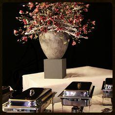 Decoratiestyling,aankleding van een feest maar ook voor bedrijven, kantoor, hotel,restaurant. www.decoratiestyling.nl Restaurant, Vase, Doors, Ipad, Home Decor, Decoration Home, Room Decor, Diner Restaurant, Restaurants