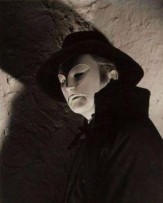 Claude Rains in Phantom of the Opera