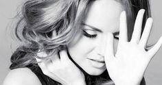 """МакSим """"Другая реальность"""" Несмотря на стремительно падающую популярность, певица Максим всё еще борется за нее и выпустила новый альбом  Слушать: http://itop.fm/genres/1-pop/506-maksim-drugaya-realnost/"""