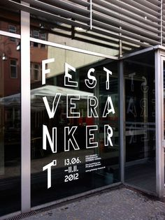 Fest verankert — Erinnerungsort Gutenberg-Denkmal on Behance Graphic Design Tattoos, Graphic Design Typography, Environmental Graphic Design, Environmental Graphics, Wayfinding Signage, Signage Design, Corporate Design, Retail Design, Type Design