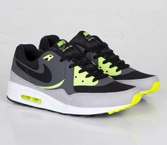 Nike Air Max Light – Black / Dark Grey – Volt