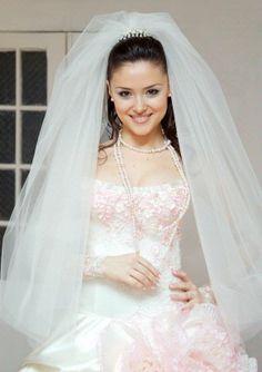 wedding hair off and veil