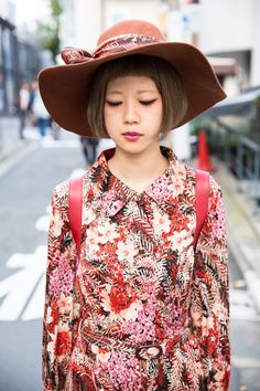 Street Style: the Fashion Overdose on the Streets. Three Street Style Lessons from Tokyo Fashion Week Spring 2015 by Vogue Keshiko Street Snap Fashion, Japanese Street Fashion, Tokyo Fashion, Harajuku Fashion, Harajuku Makeup, Harajuku Style, Harajuku Girls, Japanese Streets, Asian Street Style