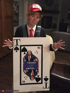 My son thought it would be funny to make a play on the normal Donald Trump costume and turn it into a TRUMP CARD. We used poster board and copies some images like a playing card. Halloween Costume Props, Halloween 2017, White Costumes, Boy Costumes, Playing Card Crafts, Playing Cards, Donald Trump Costume, Card Costume, Trump Card