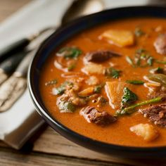 A Thai red curry recipe with duck or goose. Thai red curry is good with many meats, from pork and chicken to beef, venison and yes, duck. Goose Recipes, Duck Recipes, Asian Recipes, Great Recipes, Favorite Recipes, Beef Recipes, Recipies, Dinner Recipes, Red Duck Curry