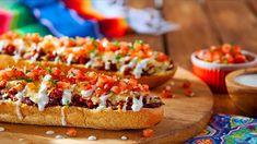 Los Molletes de Chorizo y Queso, acompañados con Pico de Gallo, son súper fáciles de preparar. Ideales para el desayuno, el almuerzo o como aperitivo. ¡Te fascinarán! #LoveMyQueso https://www.vvsupremo.com/recipe/molletes-de-chorizo/