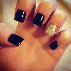 Black Gold Nails Black and gold nails Get Nails, Prom Nails, Love Nails, Pretty Nails, Hair And Nails, Vegas Nails, Bride Nails, Gold Acrylic Nails, Square Acrylic Nails