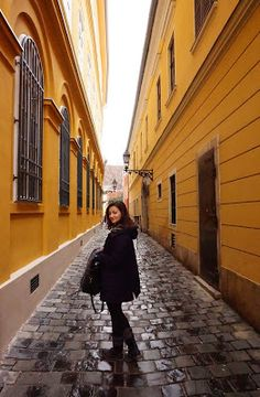 Do you know where the most beautiful street in Budapest is? Click  on the picture ;) Beautiful Streets, Most Beautiful, Budget Travel, Travel Tips, Budapest, Travel Advice, Travel Hacks