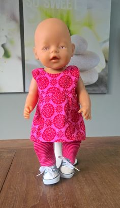 Wollyonline sells digital doll patterns for a variety of dolls. There is also a large selection of FREE patterns available. WWW.WOLLYONLINE.COM