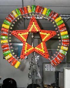 How to Recycle: Recycled Christmas Lanterns Diy Christmas Parol, Christmas Lanterns Diy, Recycled Christmas Decorations, Diy Christmas Tree, Xmas Decorations, Merry Christmas, Christmas Ornaments, Recycled Parol, Parol Diy