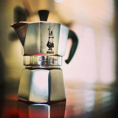 Bialetti Moka, Barista, Hot Cars, Espresso, Coffee Maker, Peace, My Favorite Things, Nature, Beauty