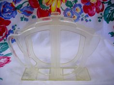 Vintage Napkin Holder 1950s Rogers Clear Plastic Teapot Shape Figural Cute Teapot, Napkin Holders, Vintage Kitchen, Tea Pots, 1950s, Napkins, Mid Century, Textiles, Plastic
