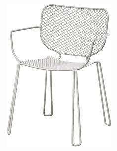 Jetzt bei Desigano.com Ivy Armlehnstuhl Gartenmöbel, Gartenstühle von emu ab Euro 215,00 € IVY Outdoor-Armlehnstuhl in weiß 23, entworfen von Paola Navone. Als Vertreterin eines neuen Konzepts für Outdoor Living – eines Wohnbereichs aus Stahl im industriellen Stil – ist Ivy eine Kollektion mit skulpturartigen Einrichtungselementen, geradlinigem, strengem Design sowie weichen, geschwungenen Sitzen passend zu Tischen von großen Dimensionen. - wetterfest - stapelbar bis zu 4 Stk.