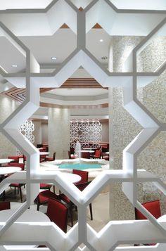 Perkins+Will, in collaboration with Dar Al-Handasah (Shair and Partners) designed the campus of Princess Nora Bint Abdulrahman University (PNU) in Riyadh, Sa. Islamic Architecture, Art And Architecture, Architecture Details, Riyadh Saudi Arabia, Interior And Exterior, Interior Design, Luxury Interior, Decorative Screens, Design Firms