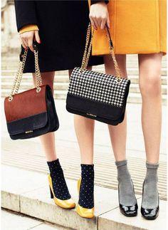 Les chaussettes apparentes : look rétro assuré ! / Vintage look : dots socks + retro heels