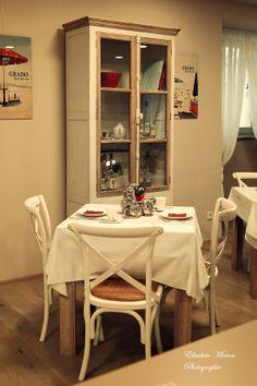 Der Frühstücksraum Corner Desk, Furniture, Home Decor, Homes, Corner Table, Interior Design, Home Interior Design, Arredamento, Home Decoration
